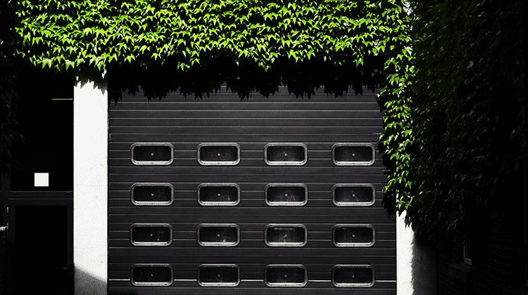Cuanto cuesta una puerta de garaje interesting puertas de for Cuanto vale una puerta de madera